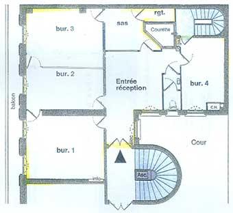 chugulu games met disposition un de ses bureaux paris. Black Bedroom Furniture Sets. Home Design Ideas