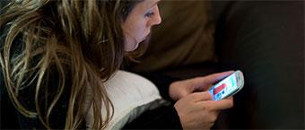 Les 15-24 ans accros a l'internet mobile