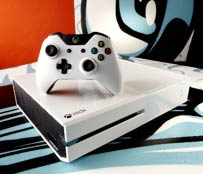"Pack Xbox One blanche Edition Spéciale ""Sunset Overdrive"""