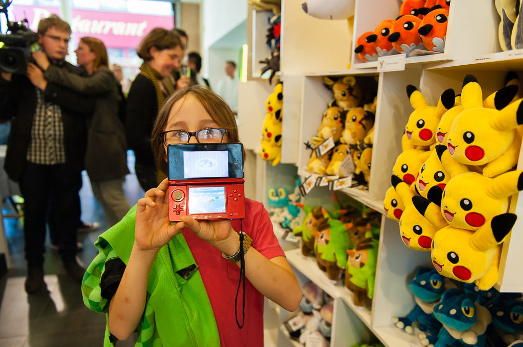 Les Photos De L Inauguration Du Pokemon Center De Paris Photo 43 Sur 101
